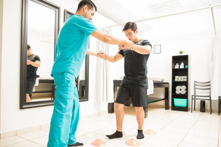 Orthopedic Walk In Clinic (Benefits And Conditions Treated In It)