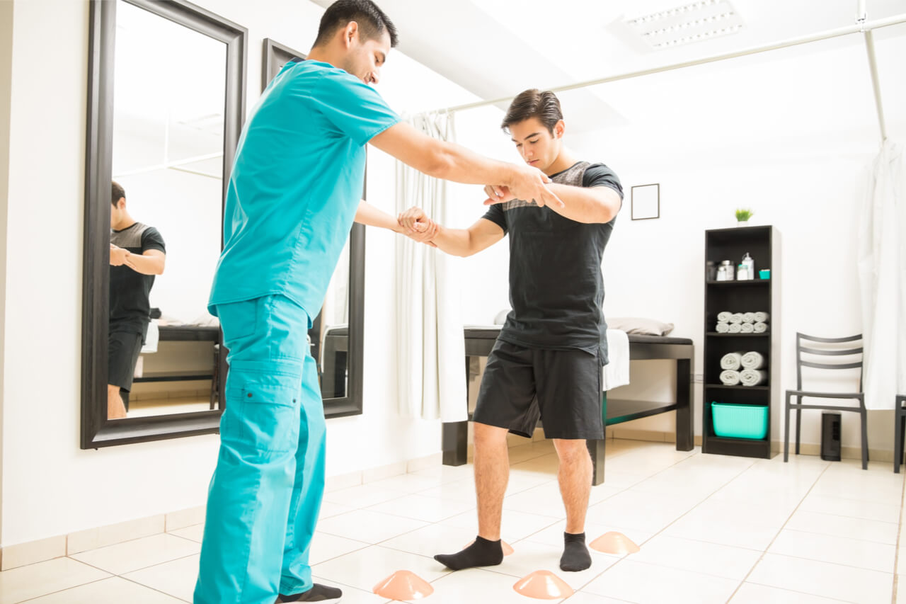 a patient treated inside an orthopedic walk in clinic